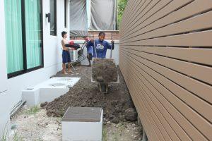 ถมหน้าดิน ปรับระดับพื้นที่ด้านหลังบ้าน